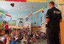Bezpieczeństwo przede wszystkim. Spotkanie z policjantem najmłodszych w Wilczyskach