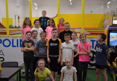 Klasa V ze SP w Stróżnej na wycieczce w Ninja Jump