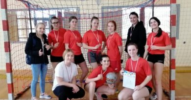 Brązowy medal w halowej piłce nożnej dziewcząt dla ZSO w Bobowej