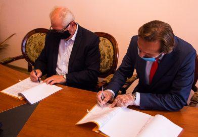 Umowa na dostawę autobusu elektrycznego dla Gminy Bobowa podpisana