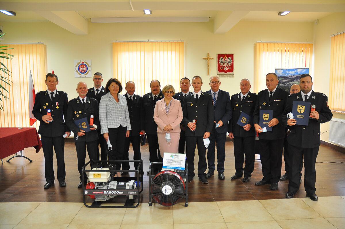 Strażacy z terenu Gminy Bobowa doposażeni w nowy sprzęt