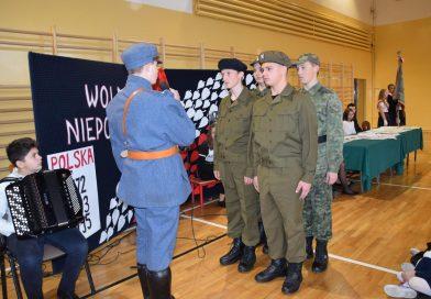 Jak uczniowie SP Bobowa świętowali odzyskanie niepodległości?