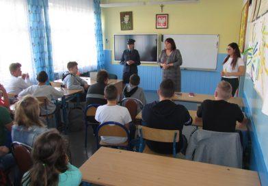 Spotkanie z funkcjonariuszką Służb Więziennych